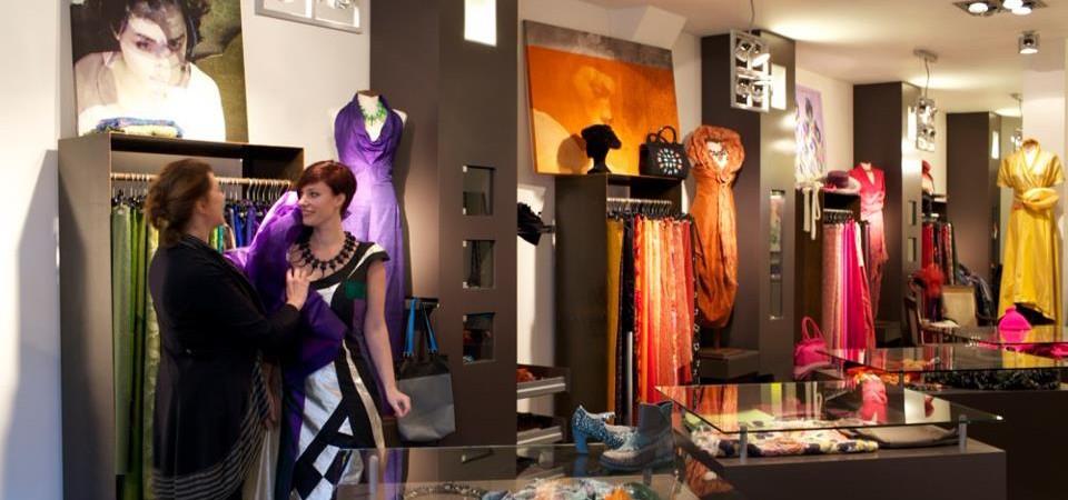 L'Ago B Modeontwerpen & accessories Veemarktstraat 33 4811 ZC Breda The Netherlands